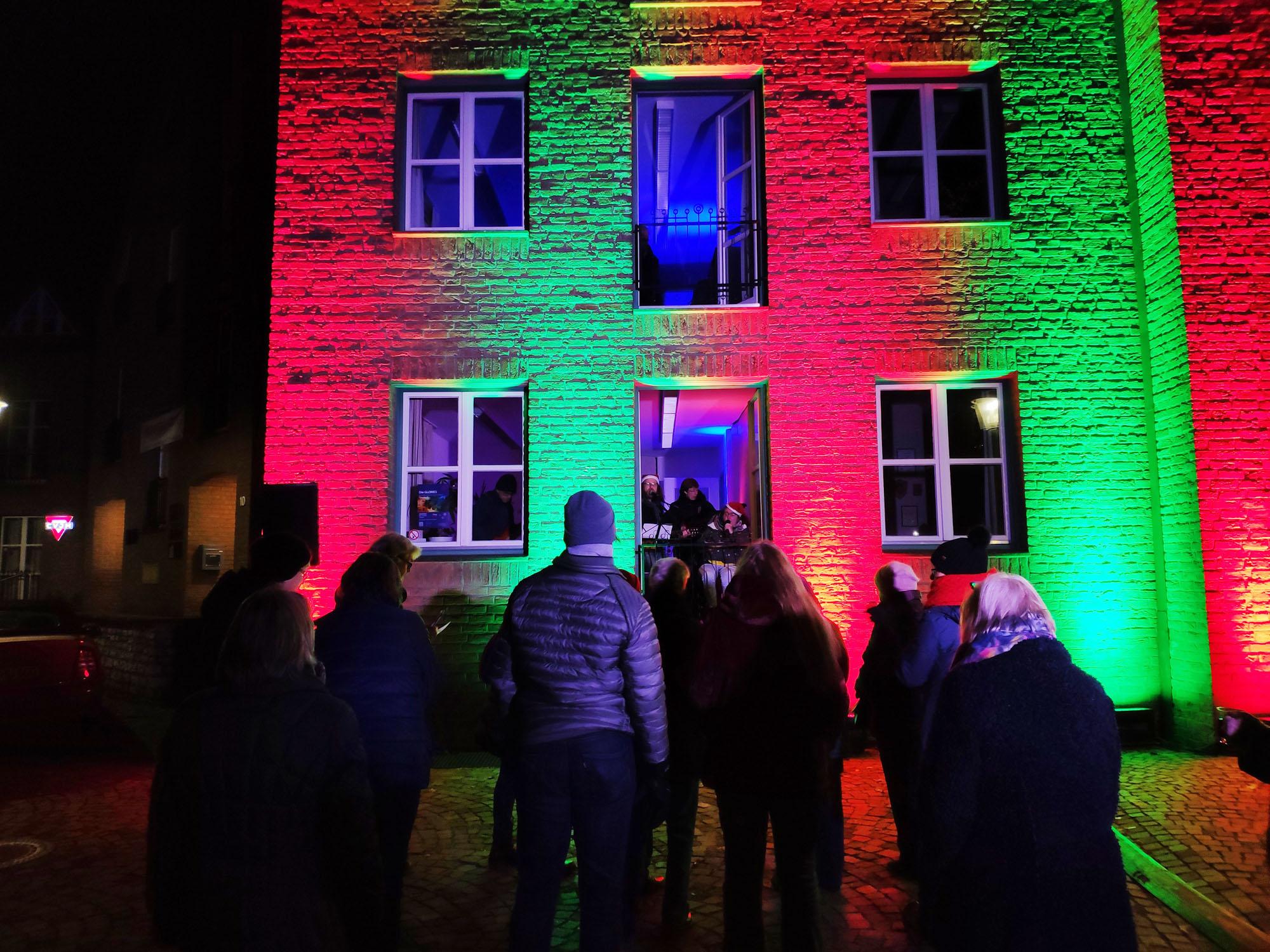 Veranstaltung Fensterstimmem Diakonie Brackwede am 1.Advent 2019 Quelle Foto: Diakonie Brackwede